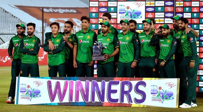 RAWALPINDI: November 03 - A group photo of Pakistani team after winning the series 2-1 after final and 3rd One-Day International (ODI) cricket match against Zimbabwe team at Rawalpindi Cricket Stadium. APP photo by Abid Zia