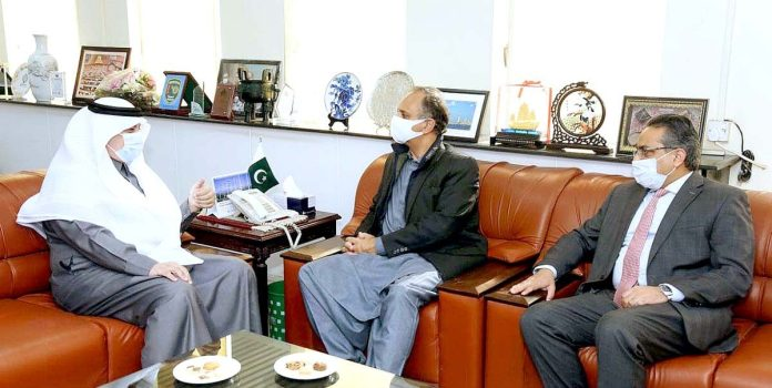 Saudi envoy calls on Omar Ayub, discusses JVs in energy projects