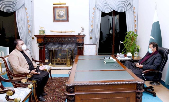 Fawad briefs PM about Drone Authority Ordinance, use of technology in diverse sectors