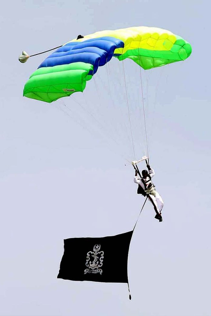 Pakistan Navy SSG(N) Sea Eagle team paratrooper during JS Pakistan Day Parade
