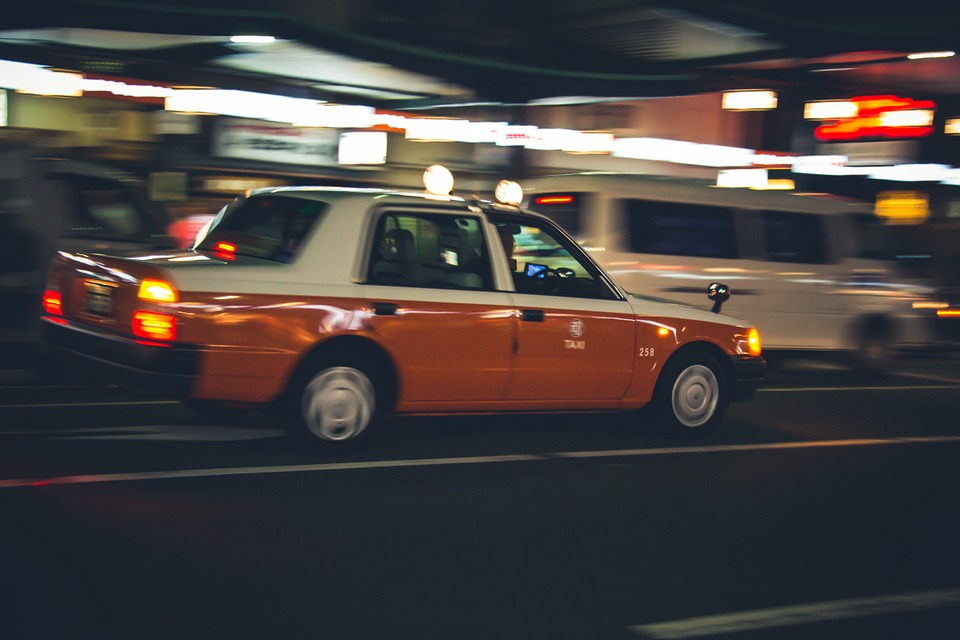 Traveling for the first time? Hire Heathrow to Southampton taxi service for a comfortable experience