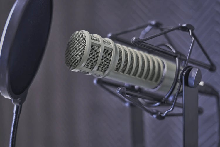 Why Podcasting is Another Form of Blogging