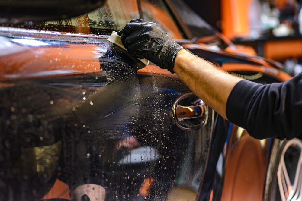 Want the best car service station for servicing of your car?
