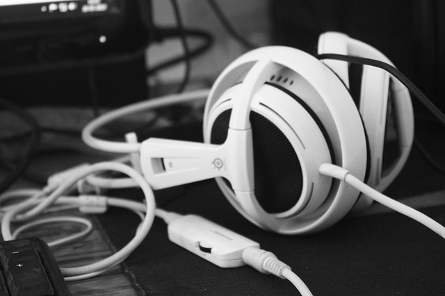 The Best Headphones For Players 2020. What Headphones For Players To Buy?