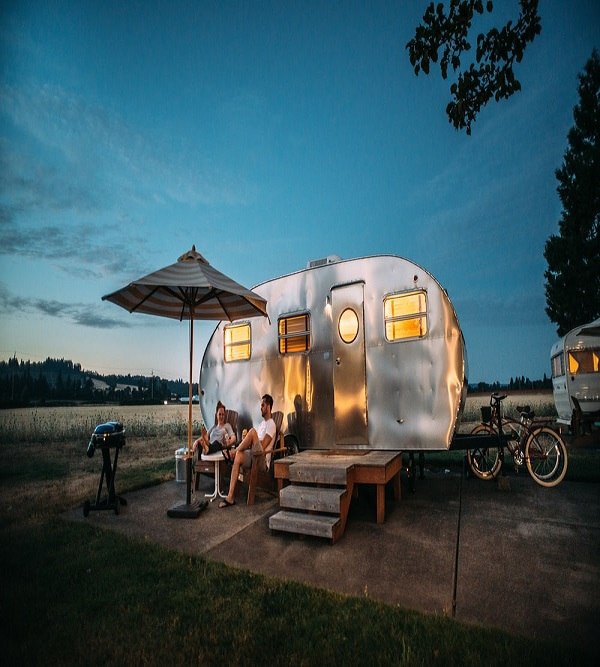 How to Travel on your Budget in a Caravan or take a Mobile Home Journey
