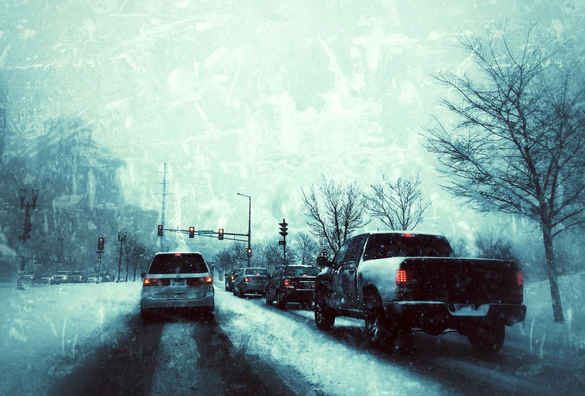 Precautions to use in Winter while driving