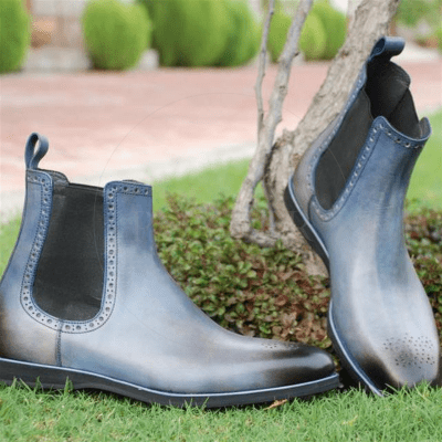 Chelsea Vs. Chukka Boots – Which Men's Dress Boot Is Better?