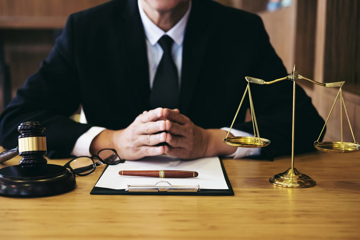 Hiring a personal Injury lawyer? When is the best time to hire one?