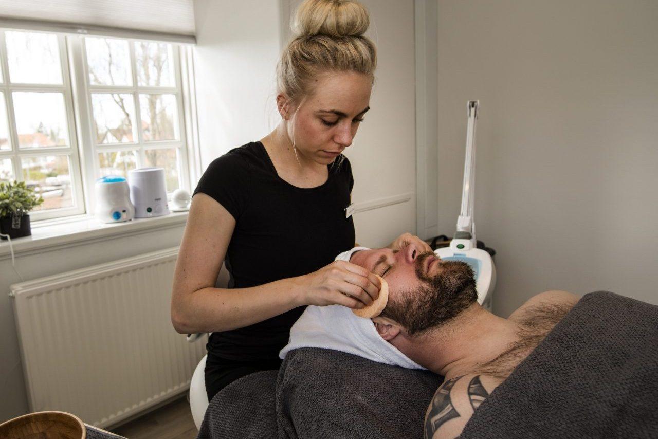 Hasseris Skinlounge – Behandling