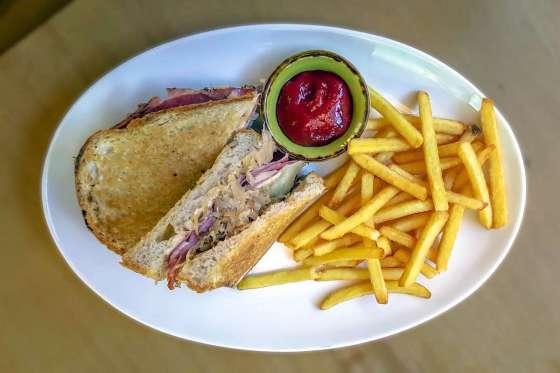 Reuben Sandwich Php490