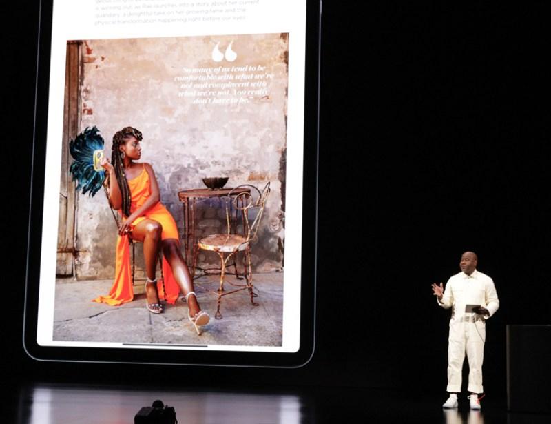 Wyatt Mitchell en el escenario del Steve Jobs Theater.