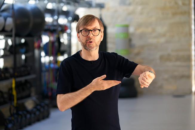 Kevin Lynch presenta le funzioni di watchOS 7 alla WWDC20.