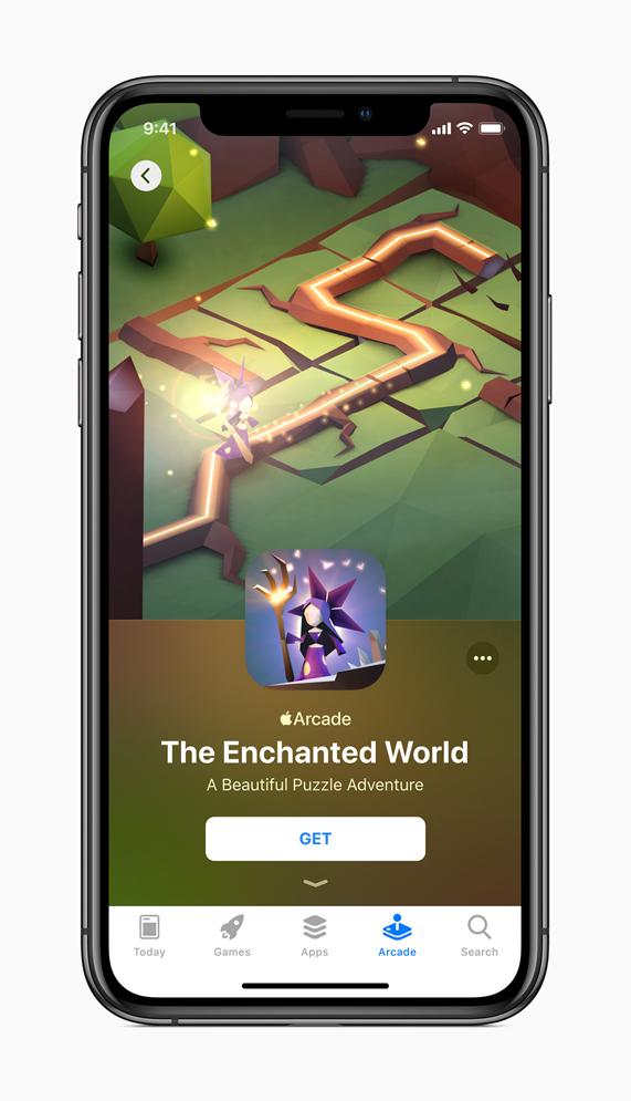 """iPhone con la página de la tienda de aplicaciones """"El mundo encantado""""."""