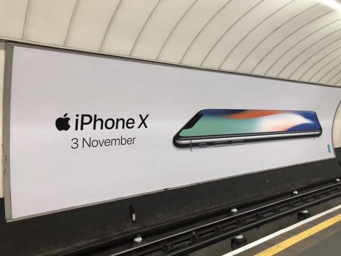 iPhone X Londra Metrosu