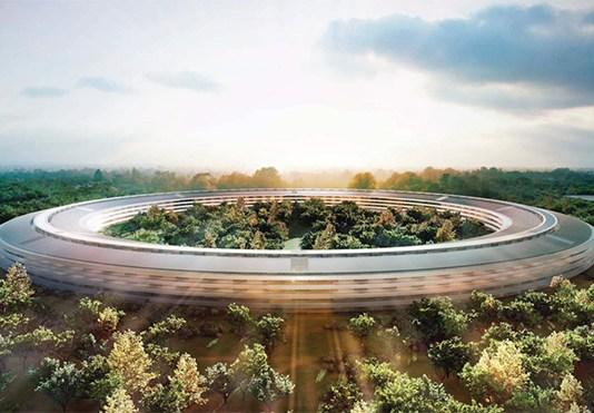 Milyon dolarlık Apple merkezinde drone kazası