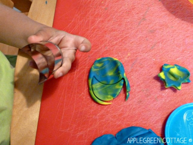 playdough cookies - color mixing activity