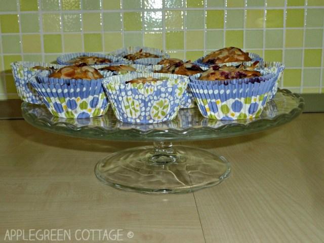 vegan muffins - frozen mixed berries