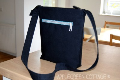 Learn how to sew a welt zipper pocket on any bag (the one you'll want to use everywhere from now on!) Adding a zipper pocket makes your bag way more useful, and any bag pattern can be modified to fit an additional one. Take a look into this beginner friendly sewing tutorial and learn in minutes how to add a welt zipper pocket either to the outside or to the inside of a bag.