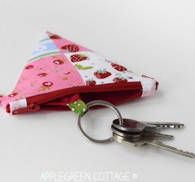 sewing tutorial - key pouch