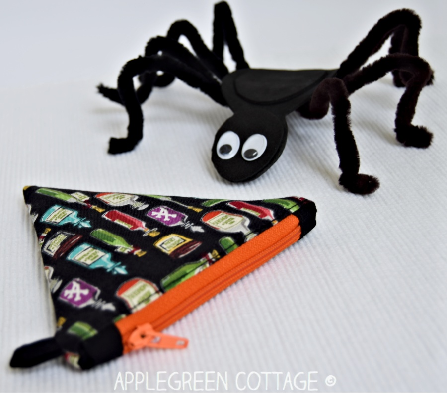 small diy halloween treasure pouch
