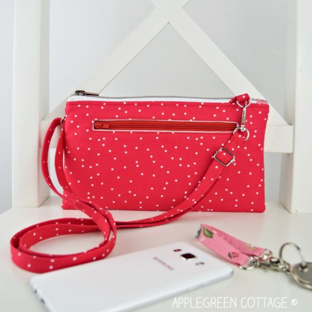 wallet with back zipper