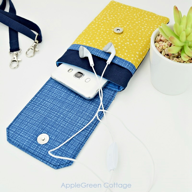 Crossbody cell phone pouch