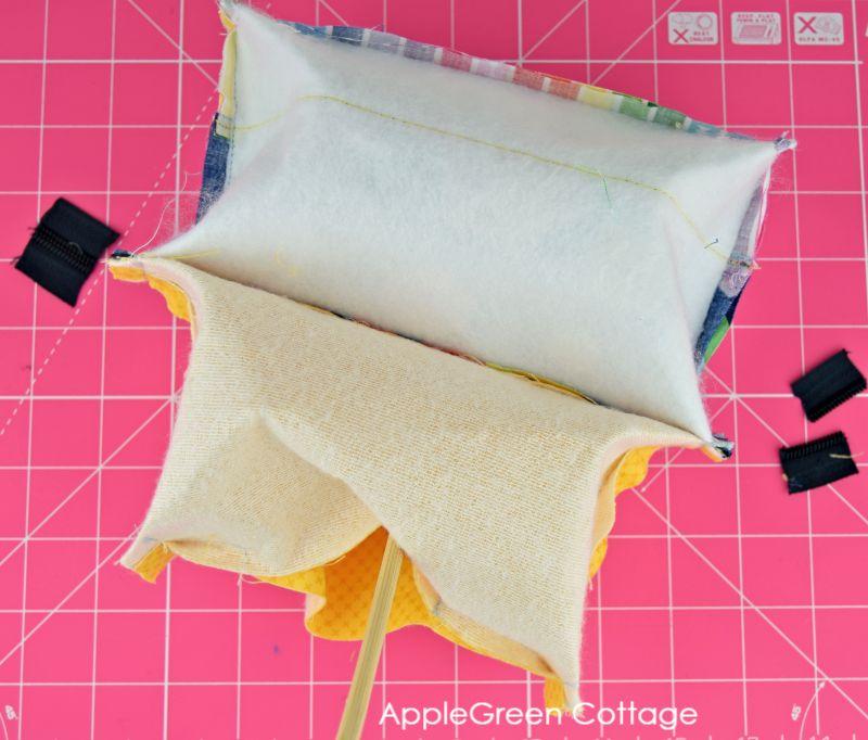 sew a zipper pouch