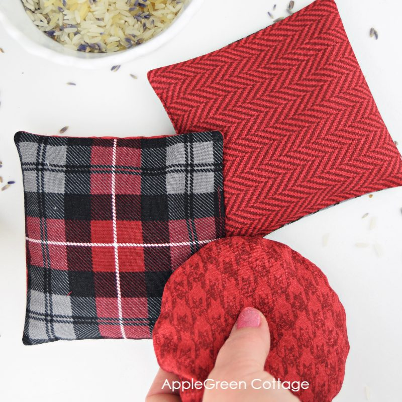 diy quare and round hand warmers