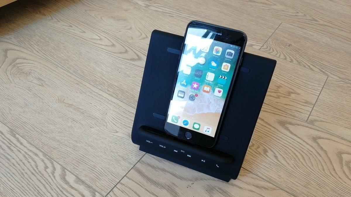 Bezdrátová nabíječka iPhone 8 - dokovací stanice