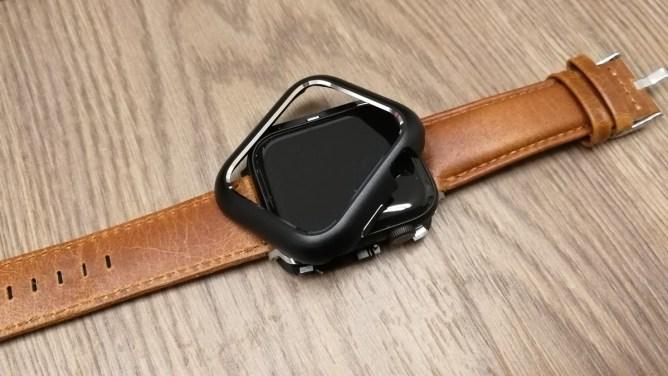 Apple Watch 4 - magnetický rámeček