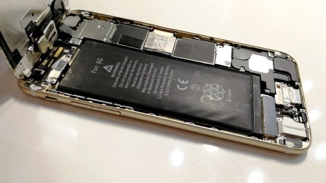 Nafouklá baterie, iPhone