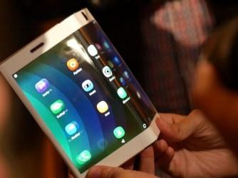 Összehajhato iPhone érkezhet