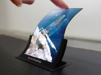 Apple lansează un iPhone cu ecran pliabil în 2020