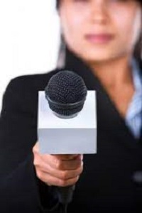 Reporter lady doing reporting job