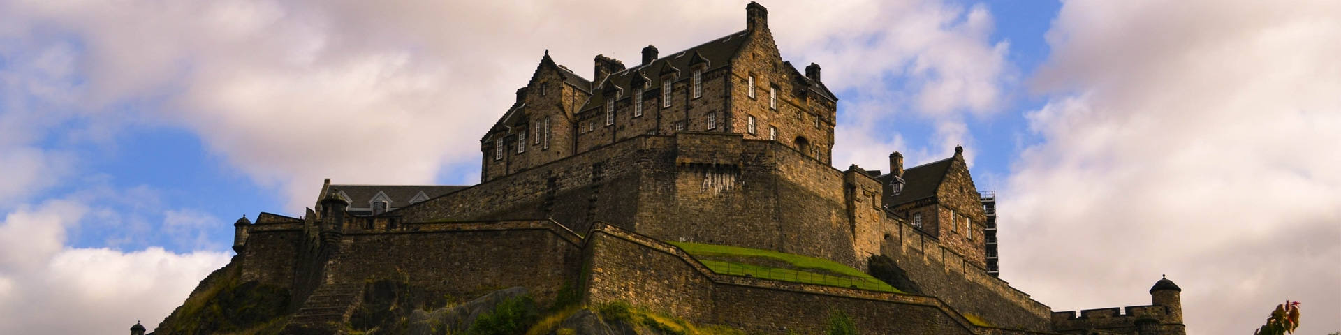 Edinburgh Castle Feature Image Tiered Pricing Blog Appointedd