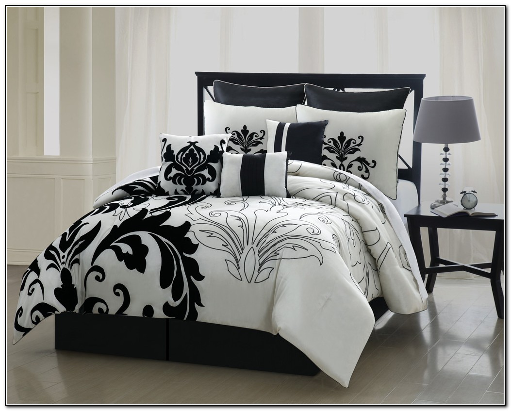 white bedspreads queen elegant bedroom with lamont home black sets atmosphere ideas gray and comforters bedspreads queen twin beadspreads comforter king coverlet apppie org