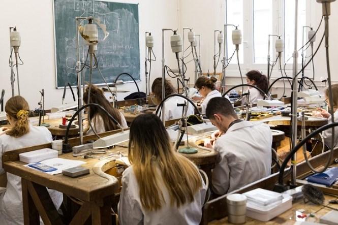 Apprendre la bijouterie- Formation en école de bijouterie