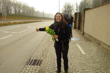 Départ vers la Slovénie. Une fleur contre un chauffeur !