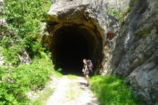 Tunnel, Ciro Trail