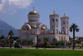 Temple orthodoxe flambant neuf! Bar