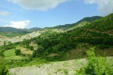 Les petits villages albanais. Ils parsèment les montagnes.