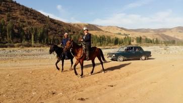 Sur le chemin du travail, Kirghizistan