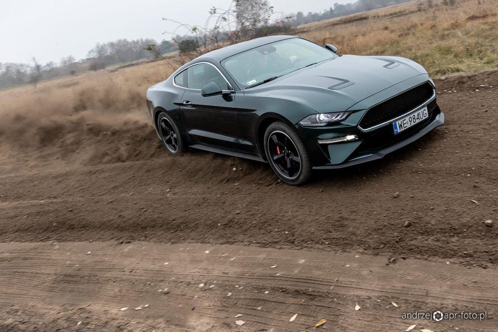 Ford Mustang Bullitt - drift