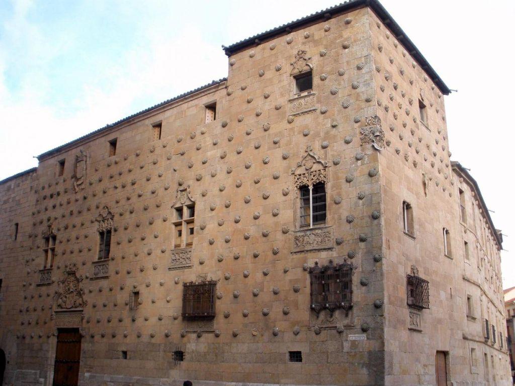 Salamanca_-_Casa_de_las_Conchas