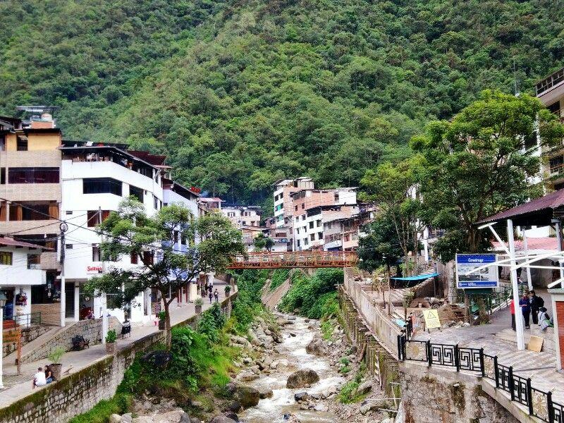 aguas calientes cuzco peru