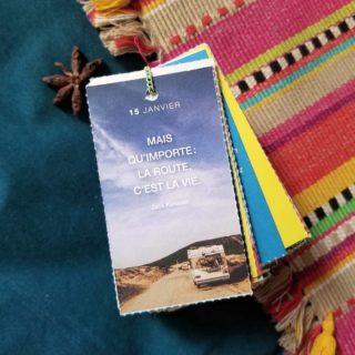 Dans 3 jours cela fera 3 ans qu'on a fait ce road-trip un peu fou, ces 3000km improvisés à travers le Chili. Si ce n'est pas un souvenir que je risque d'oublier, depuis hier il semblerait que l'Univers se charge de me le rappeler : mon téléphone lance tout seul un podcast sur Valparaiso, je reçois un livre d'une inconnue qui s'avère parler du Chili (de Valparaiso justement) et la citation du jour n'est pas en reste. Si vous avez une idée du message que l'on veut me faire passer, je suis preneuse 😅  En tout cas, cela me donne envie de me replonger dans les rushes vidéos... Si cela vous dit de voyager virtuellement dans mes souvenirs, je vous emmène avec moi 😉 __________________________________ #voyage #citation #mood #flowmagazine #motivation #penseedujour #roadtrip #flowmagazinefrance