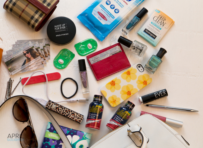 What's in your bag fashion blogger #shop