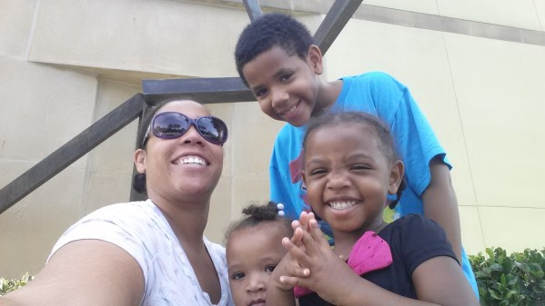 April Noelle and her kids | AprilNoelle.com