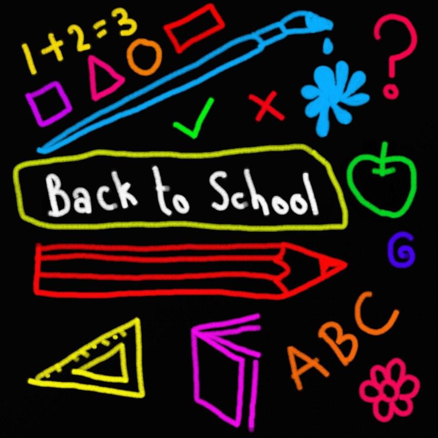 9 Tips for Saving on Back-to-School Expenses | AprilNoelle.com