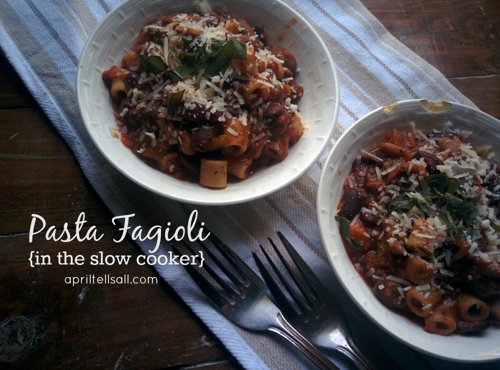 Pasta Fagioli {in the slow cooker}